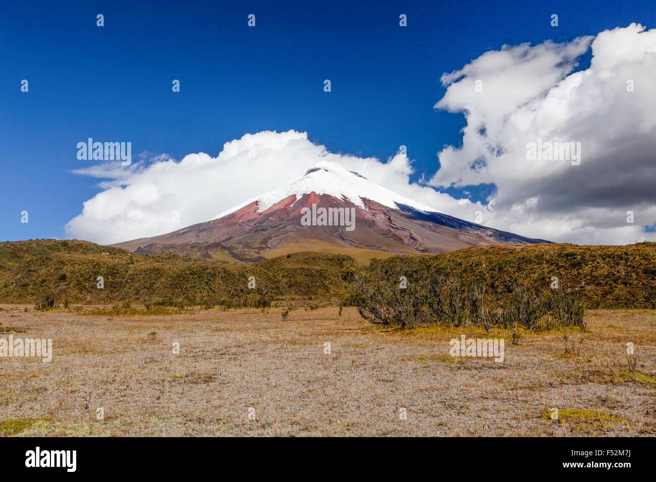 Le Cotopaxi est un volcan de la Cordillère des Andes près de Quito Équateur c'est le 2ème Photo Stock
