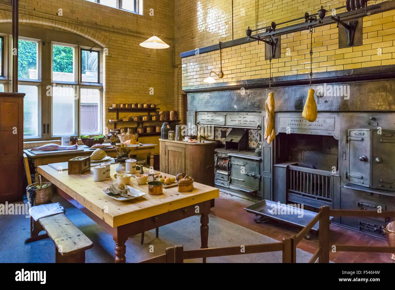 cuisine de cragside l 39 ancienne maison de 19thc fabricant d 39 armement seigneur armstrong. Black Bedroom Furniture Sets. Home Design Ideas