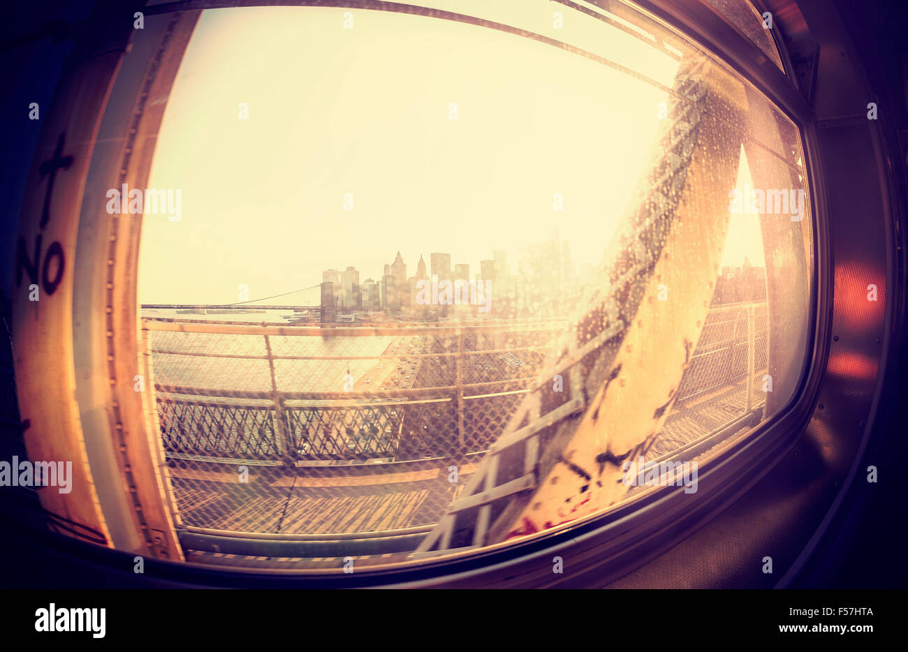 Vintage style instagram objectif fisheye view of Manhattan depuis la fenêtre. Photo Stock