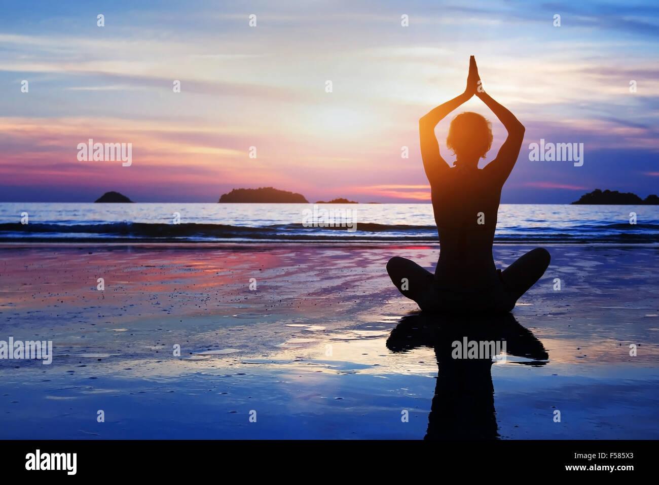 Belle arrière-plan le yoga et la méditation Photo Stock