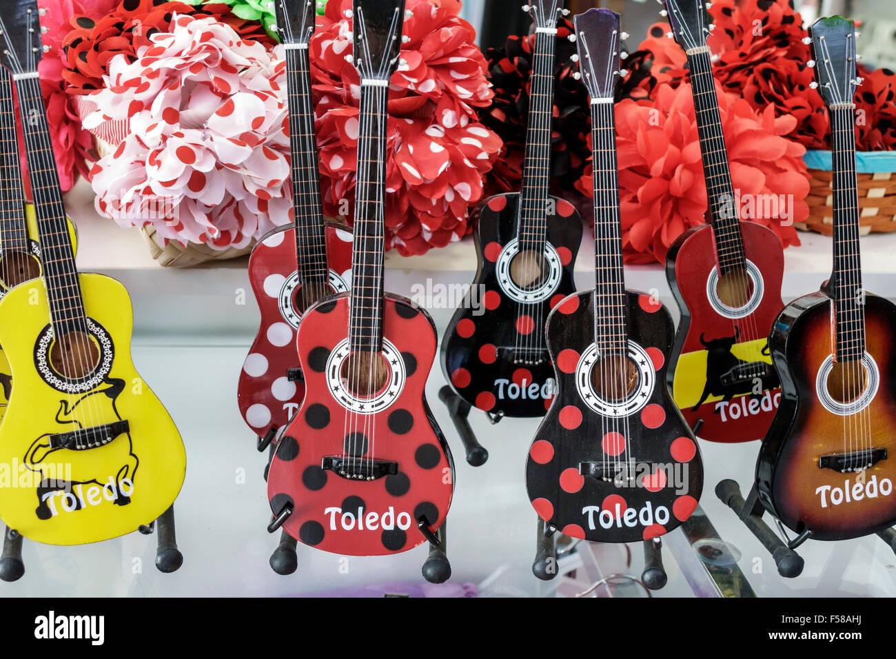 Toledo Espagne Europe espagnol guitare flamenco à pois souvenirs cadeaux  affichage affichage vente au détail Photo 35b7b1739e1