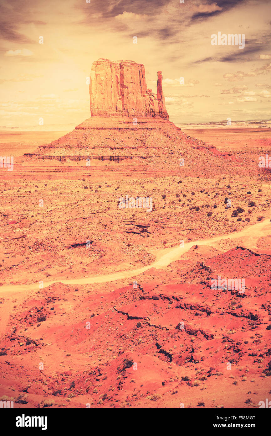 Retro style vieux film photo de Monument Valley Navajo Tribal Park, Utah, USA. Photo Stock