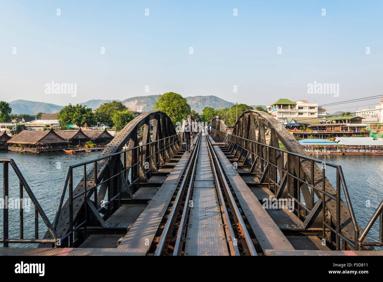 Pont de la rivière Kwai historique, route de la Thaïlande à la Birmanie, de chemin de fer de la mort, Photo Stock