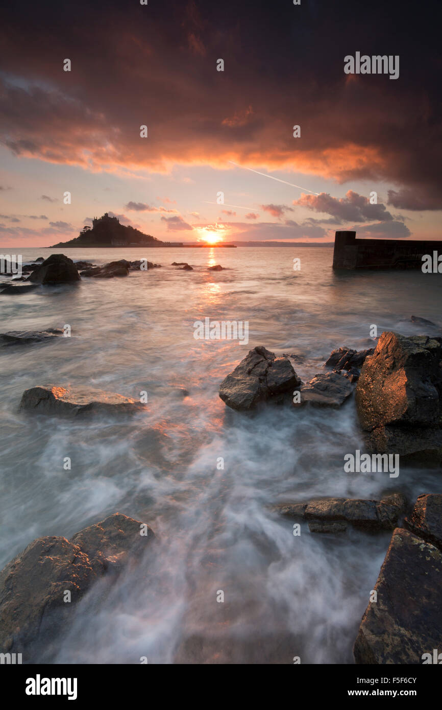 St Michael's Mount ; à partir de Cornwall Marazion, UK Photo Stock
