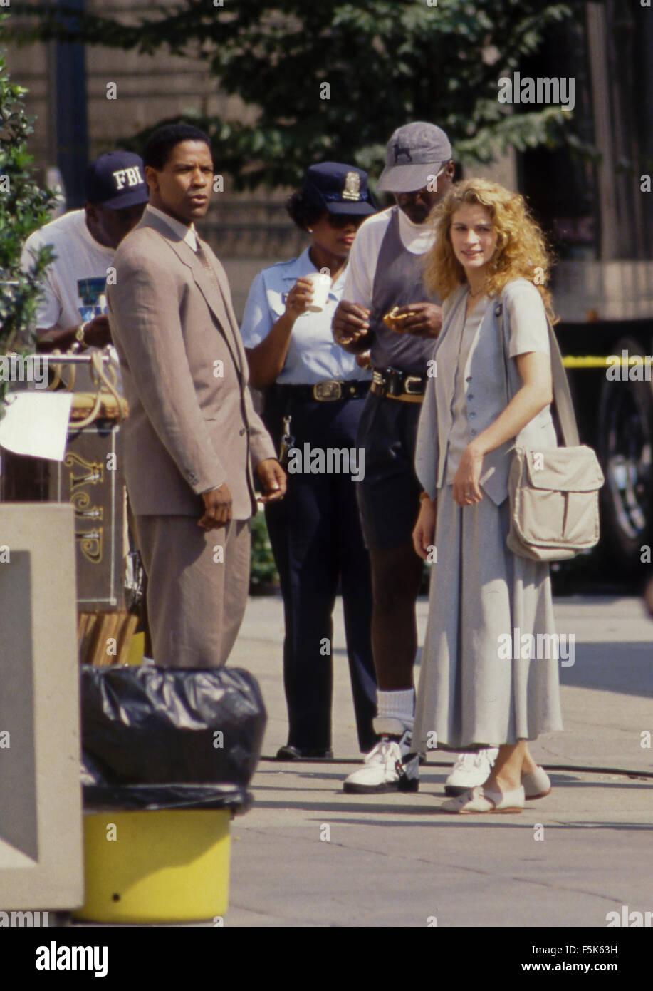 Washington, DC. 1993 Julia Roberts et Denzel Washington pendant le tournage sur le tournage de 'The Pelican Photo Stock