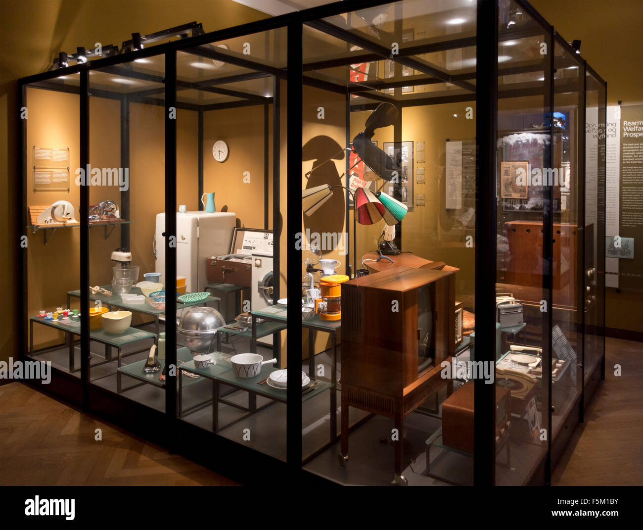 (Après-guerre WW2) et 50's 60's à usage domestique au Musée national danois (Nationalmuseet), Copenhague, Danemark. Banque D'Images