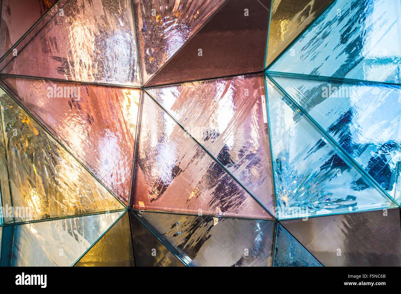 Les motifs métallique triangulaire texture d'arrière-plan Photo Stock