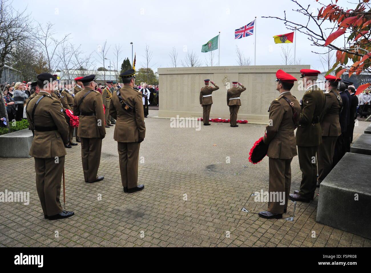 Bovington, Dorset, UK. Nov 8, 2015. Les membres du public et les forces armées de Bovington Tank Museum dans Photo Stock