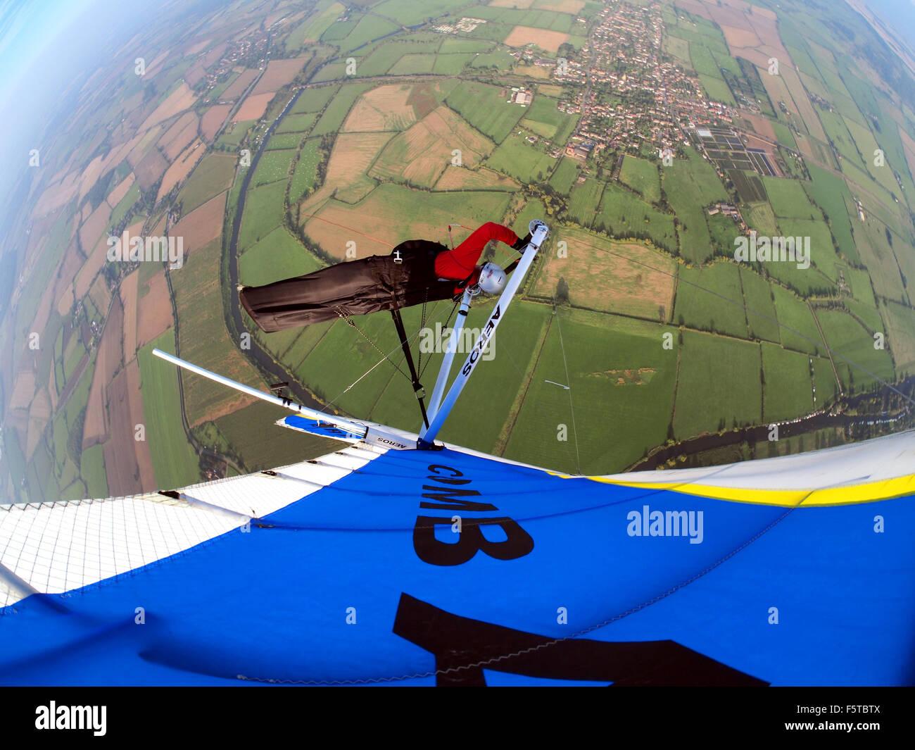 Deltaplane au-dessus de la sauce Worcestershire UK Photo Stock