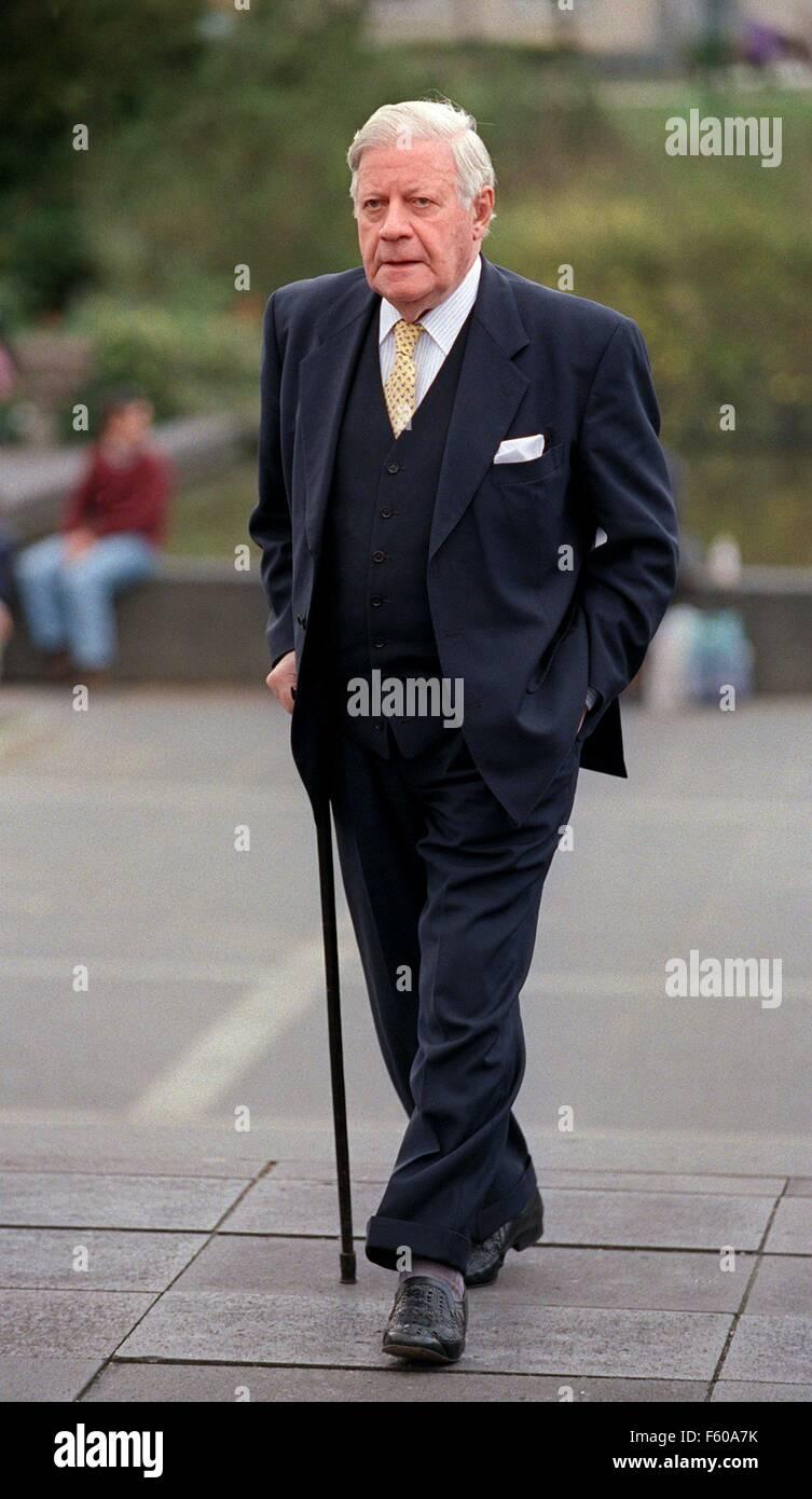 L'ancien chancelier Helmut Schmidt (SPD) le 25 mars 2000 à Darmstadt. Banque D'Images