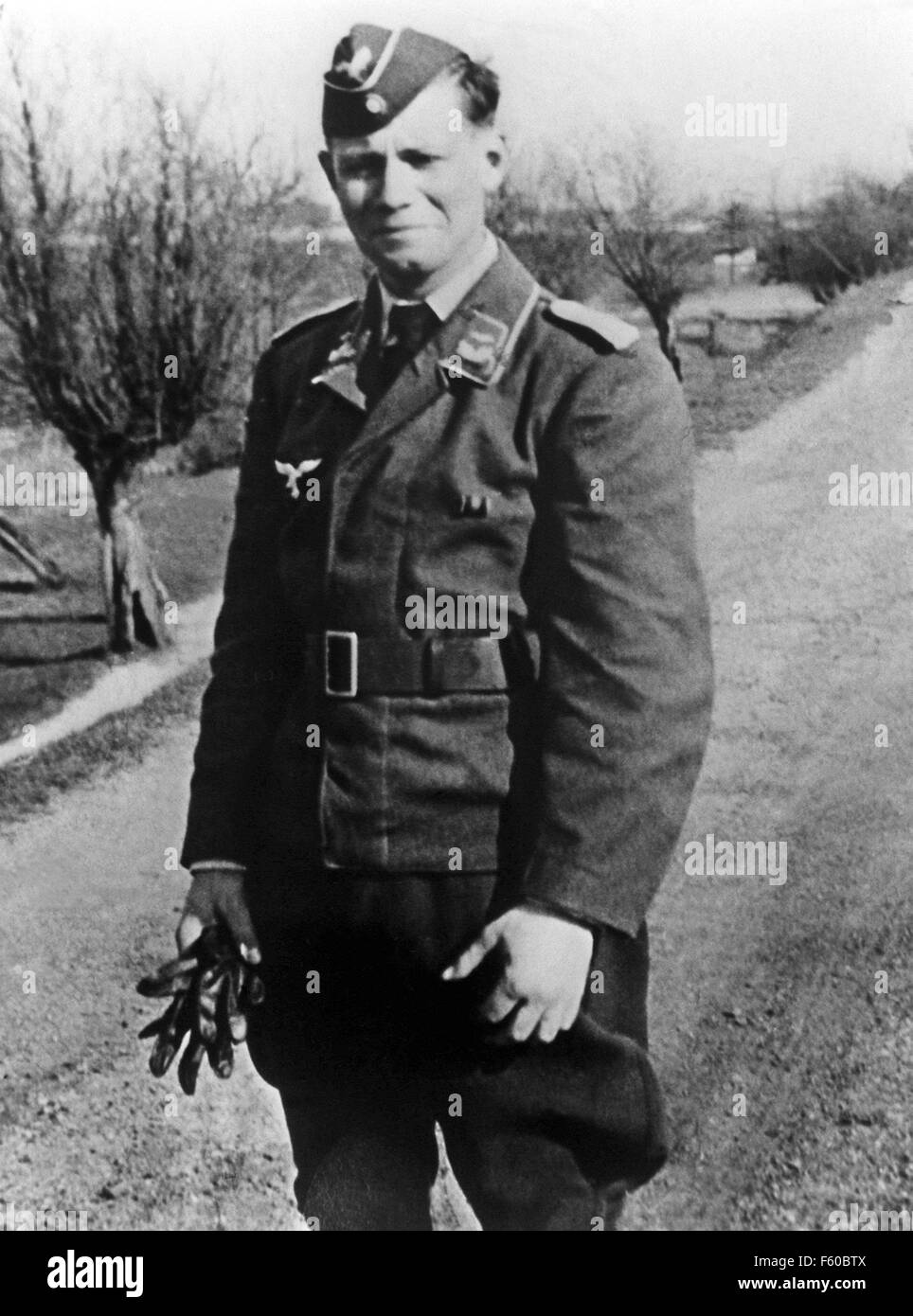 Helmut Schmidt comme lieutenant de l'armée de l'air au printemps 1940. Banque D'Images