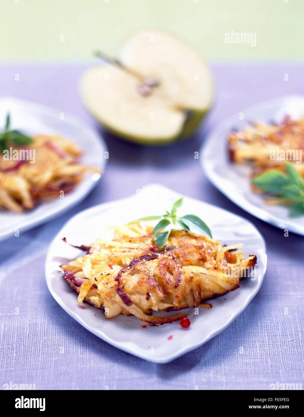 Rösti de pommes de terre et de pomme Banque D'Images