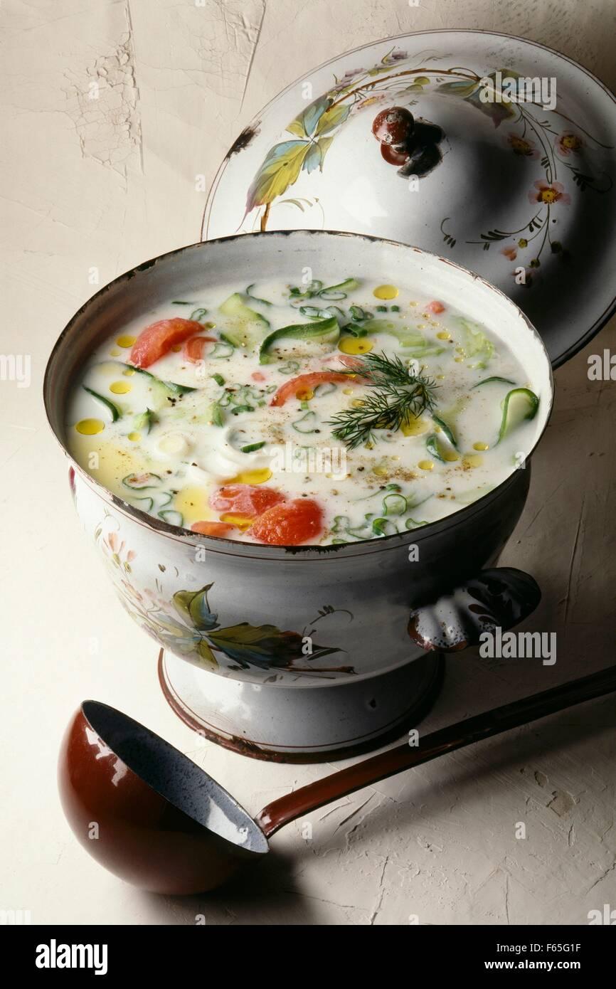 Soupe de tomates et yaourt cucmber Banque D'Images