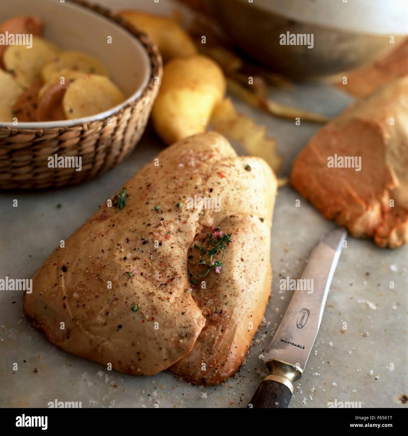 Foie gras de canard cru Banque D'Images