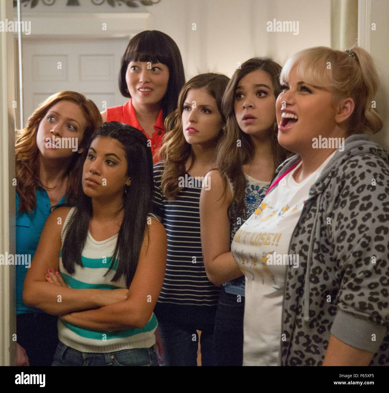 Pitch Perfect 2 Année: 2015 USA Réalisation: Anna Kendrick Elizabeth Banks, Rebel Wilson, Hana Mae Lee, Chrissie Fit, Hailee Steinfeld Banque D'Images