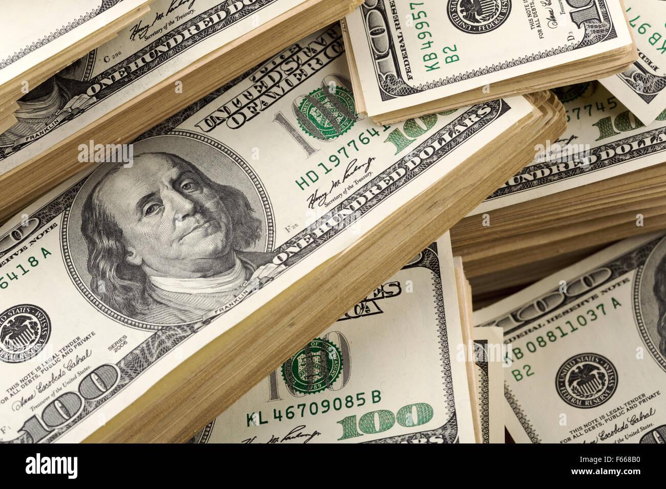 Arrière-plan de pile de billets en dollars. Libre Photo Stock