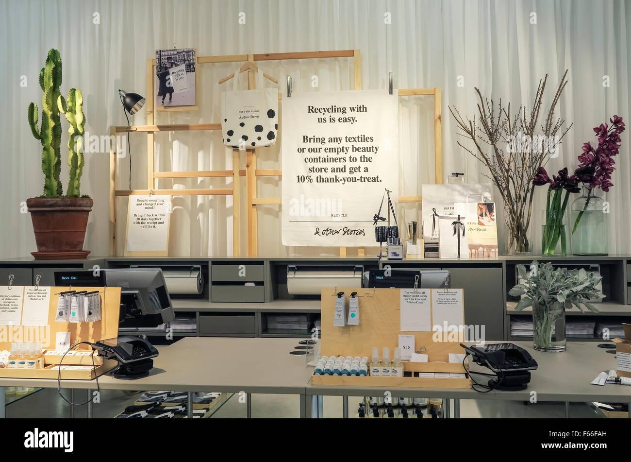 other stories store int rieur sur la cinqui me avenue nyc banque d 39 images photo stock. Black Bedroom Furniture Sets. Home Design Ideas