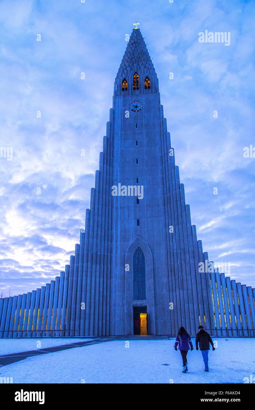L'église Hallgrimskirkja à Reykjavik, Islande Banque D'Images