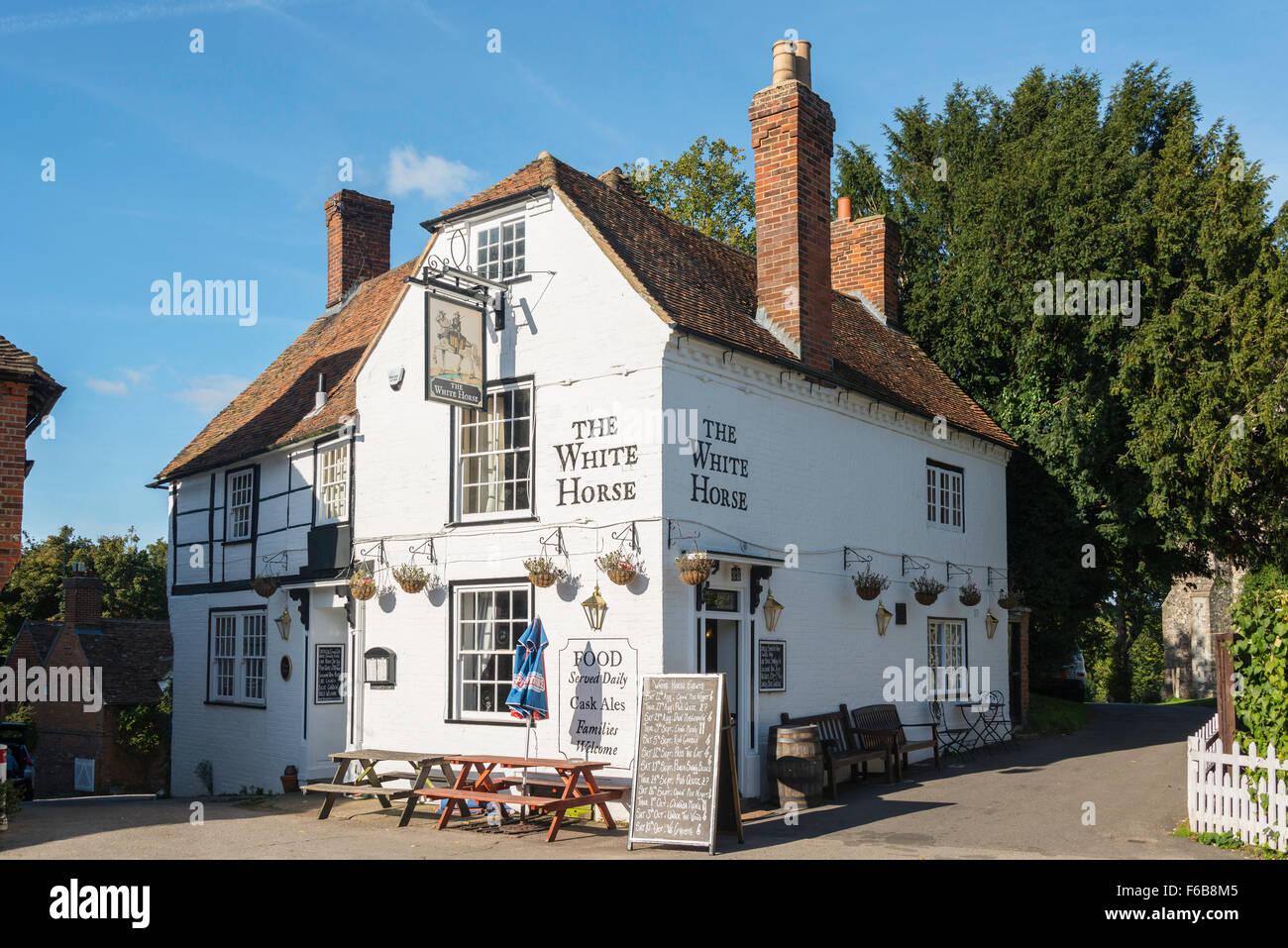 L'Auberge du Cheval Blanc, Chilham Square, Chilham, Kent, Angleterre, Royaume-Uni Banque D'Images