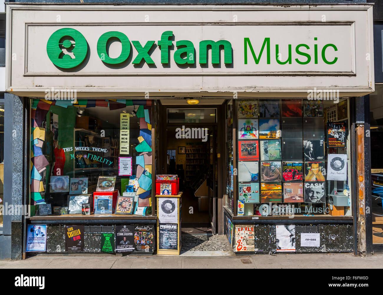 Oxfam Music Charity Thrift Shop, Byres Road, Glasgow, Écosse, Royaume-Uni Banque D'Images