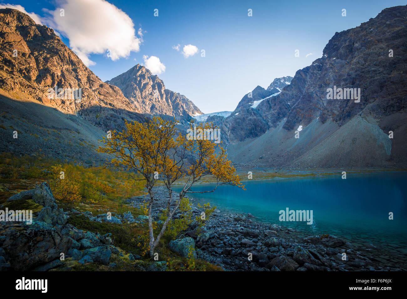 Couleurs d'automne à Blåvatnet dans les Alpes de Lyngen Photo Stock