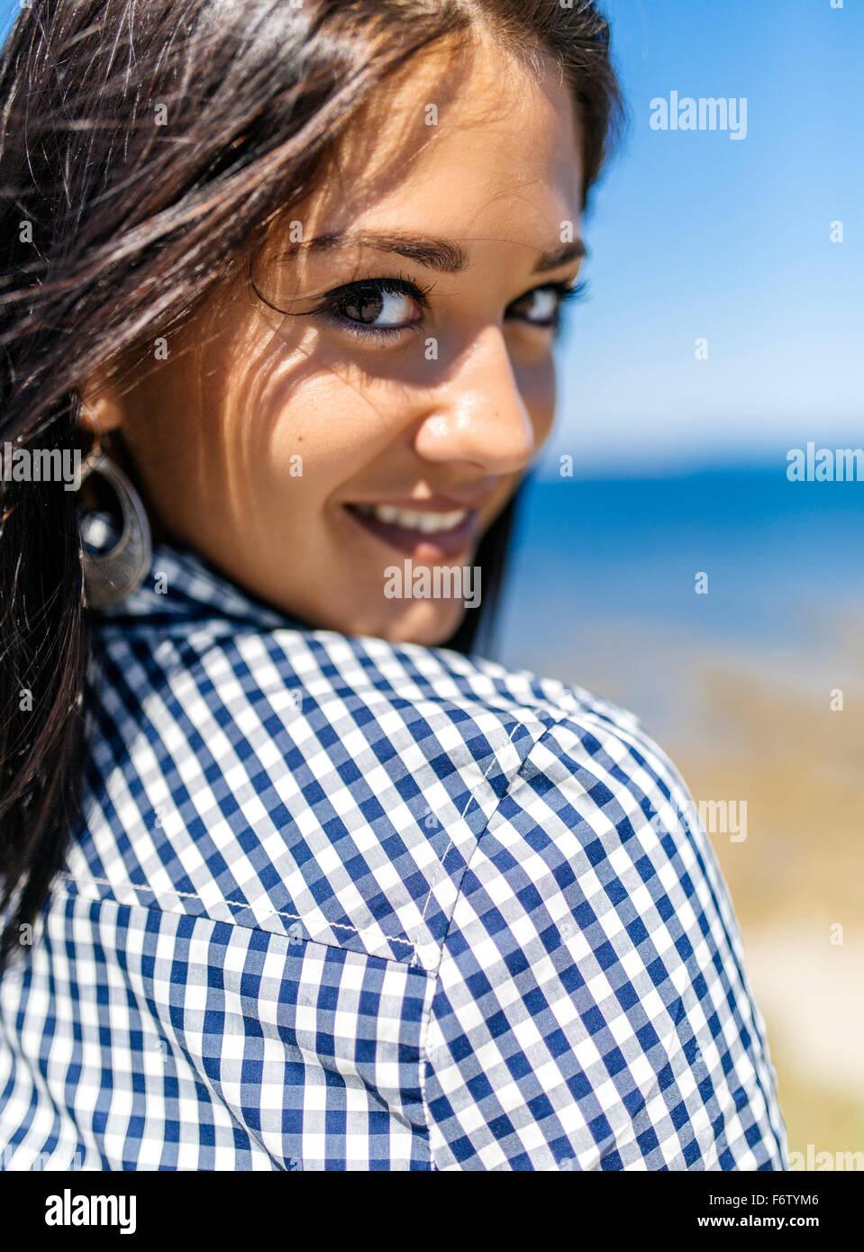 Portrait d'une adolescente attrayant Photo Stock