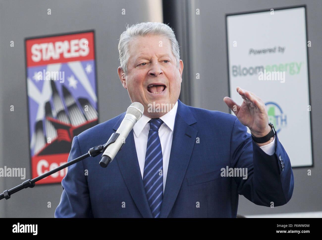 Los Angeles, Californie, USA. 19 Nov, 2015. L'ancien Vice-président Al Gore parle au cours d'une cérémonie Photo Stock