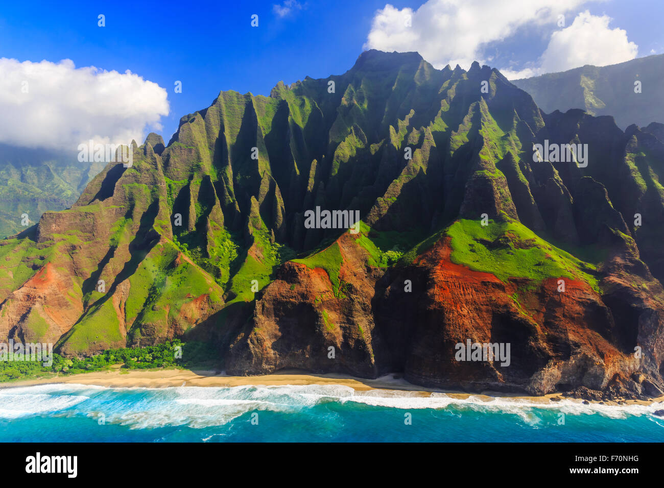 Vue aérienne de la spectaculaire côte de Na Pali, Kauai, Hawaii Photo Stock