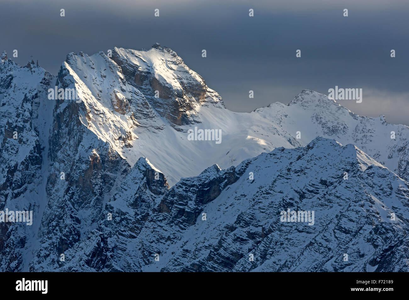 Chaîne de montagne Cadini di Misurina à la dernière lumière, Dolomiten, province du Tyrol du Photo Stock