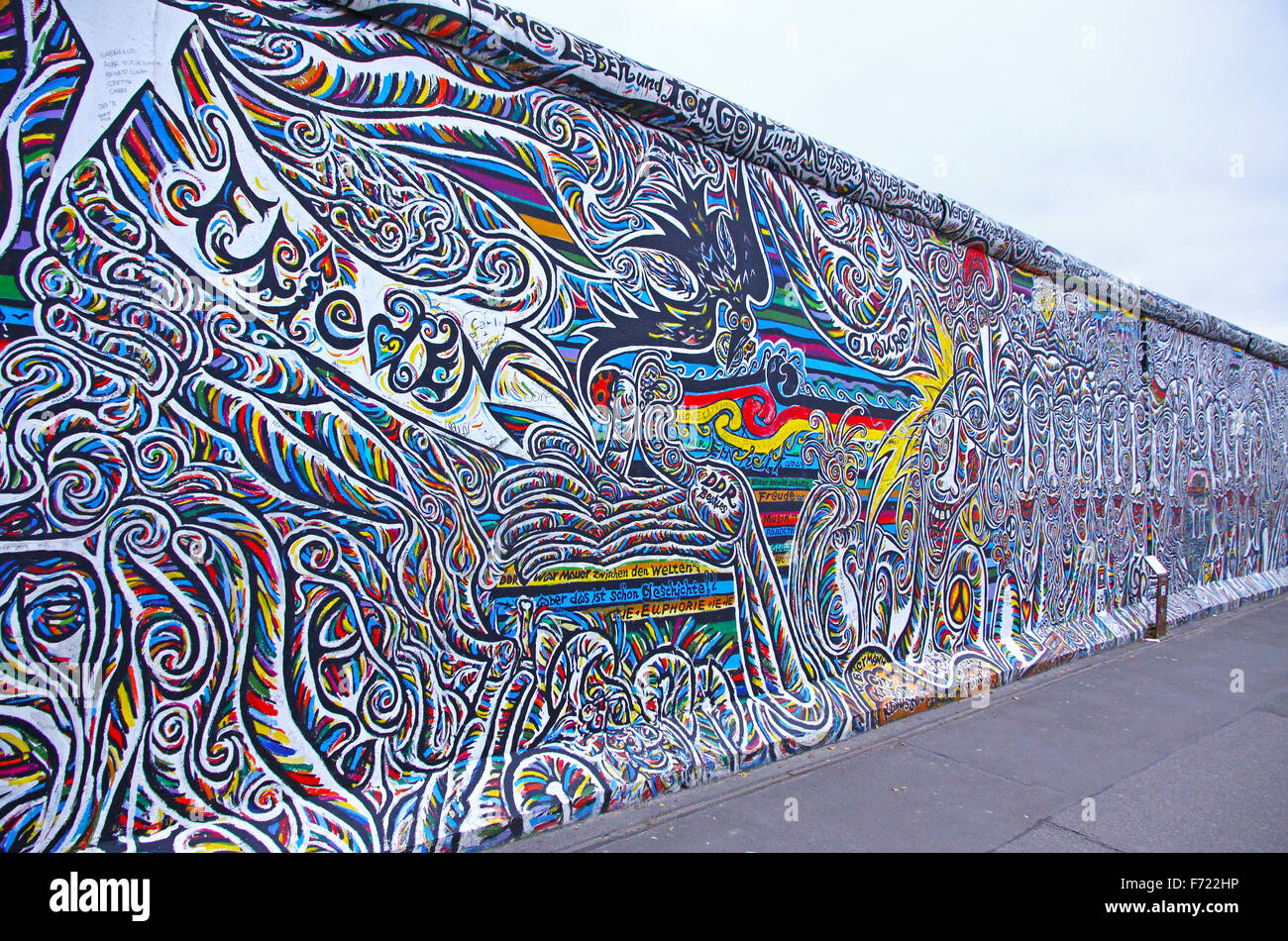 BERLIN - 10 NOVEMBRE 2013: Fragment d'East Side Gallery le 10 novembre 2013 à Berlin, Allemagne. Photo Stock