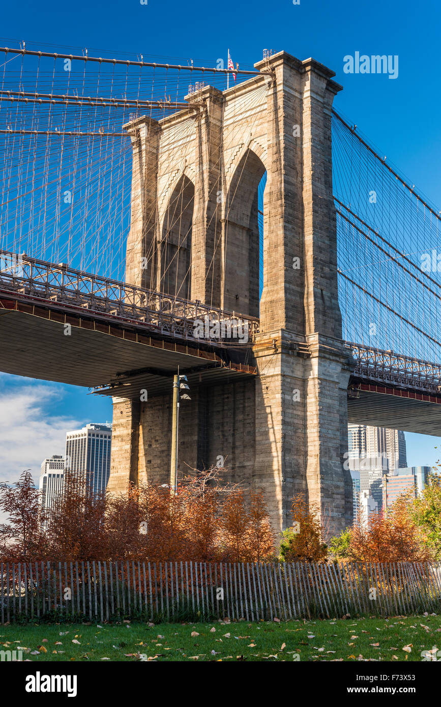 Low angle view of Brooklyn Bridge, Brooklyn, New York, USA Photo Stock