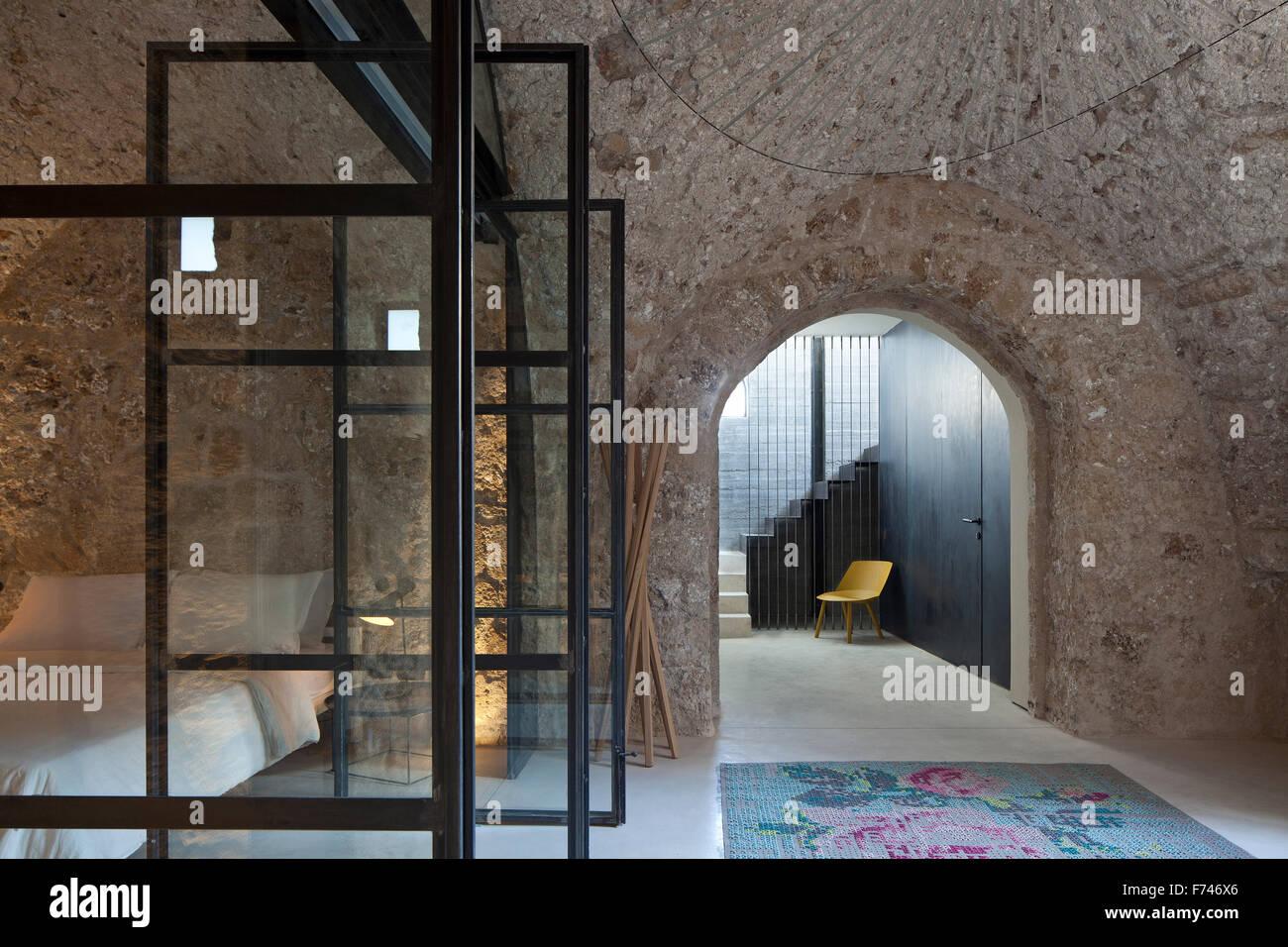 Rustique, Moderne -- structure en pierre voûtée avec chambre et ...