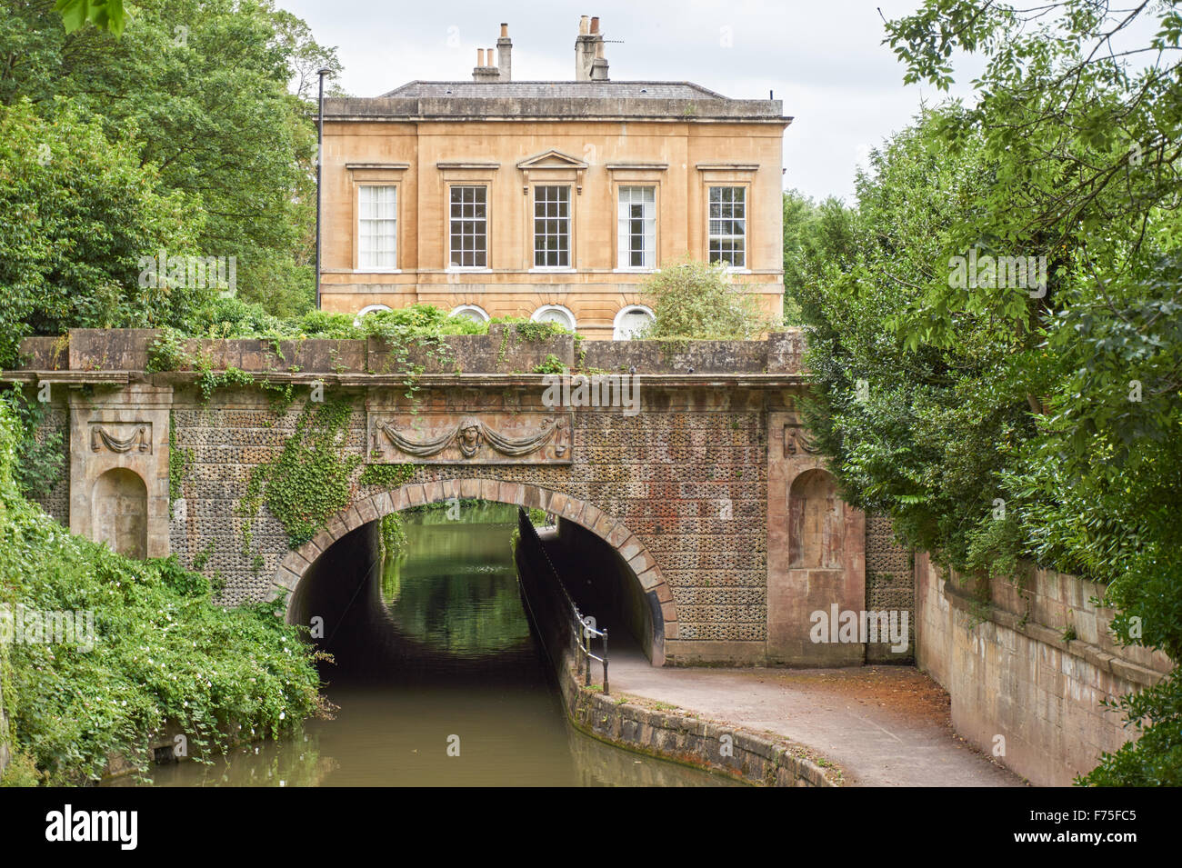 Cleveland House sur le Kennet and Avon Canal à Bath, Somerset, Angleterre Royaume-Uni UK Photo Stock