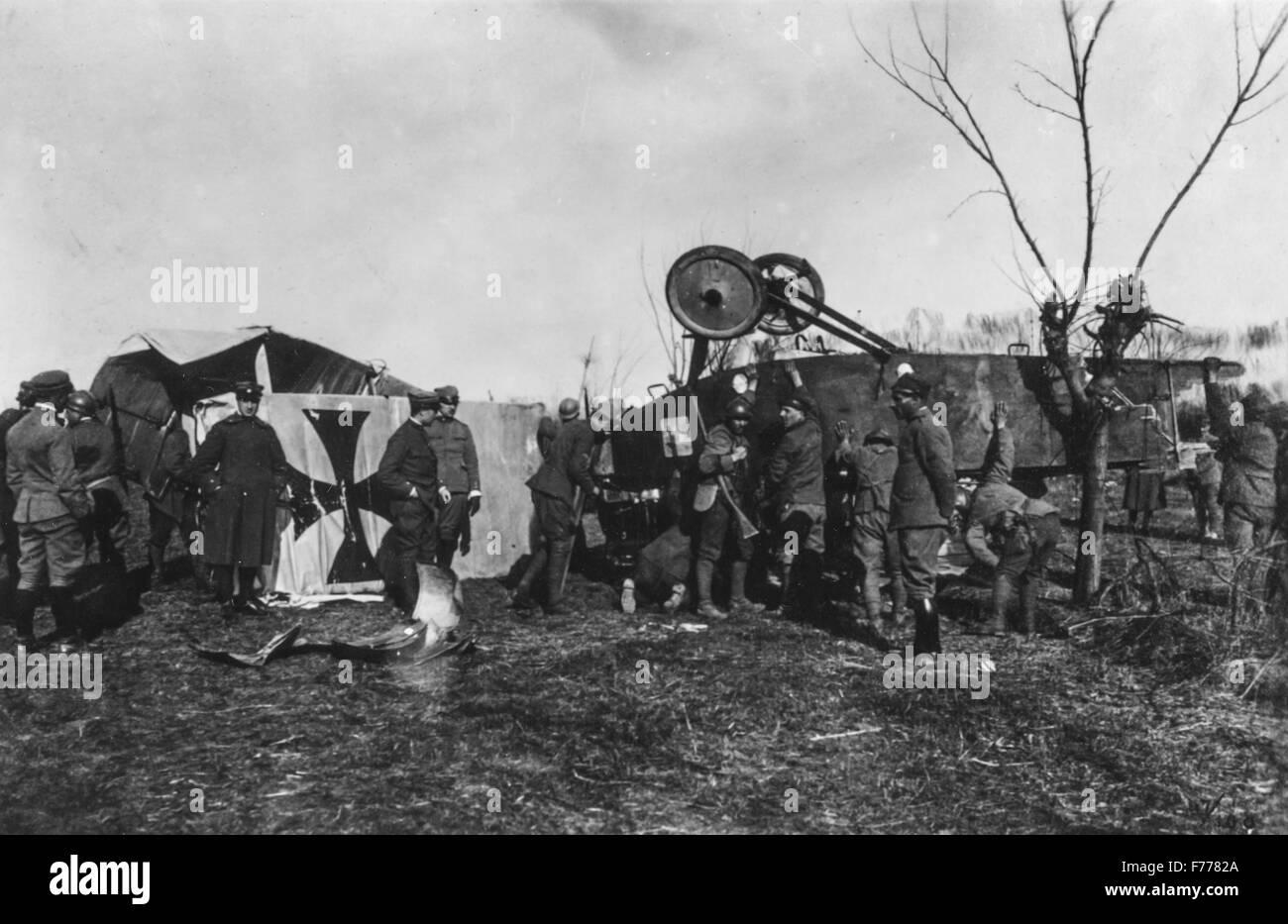 Le dernier avion abattu par Francesco Baracca,à quelques kilomètres de Trévise,1918 Banque D'Images
