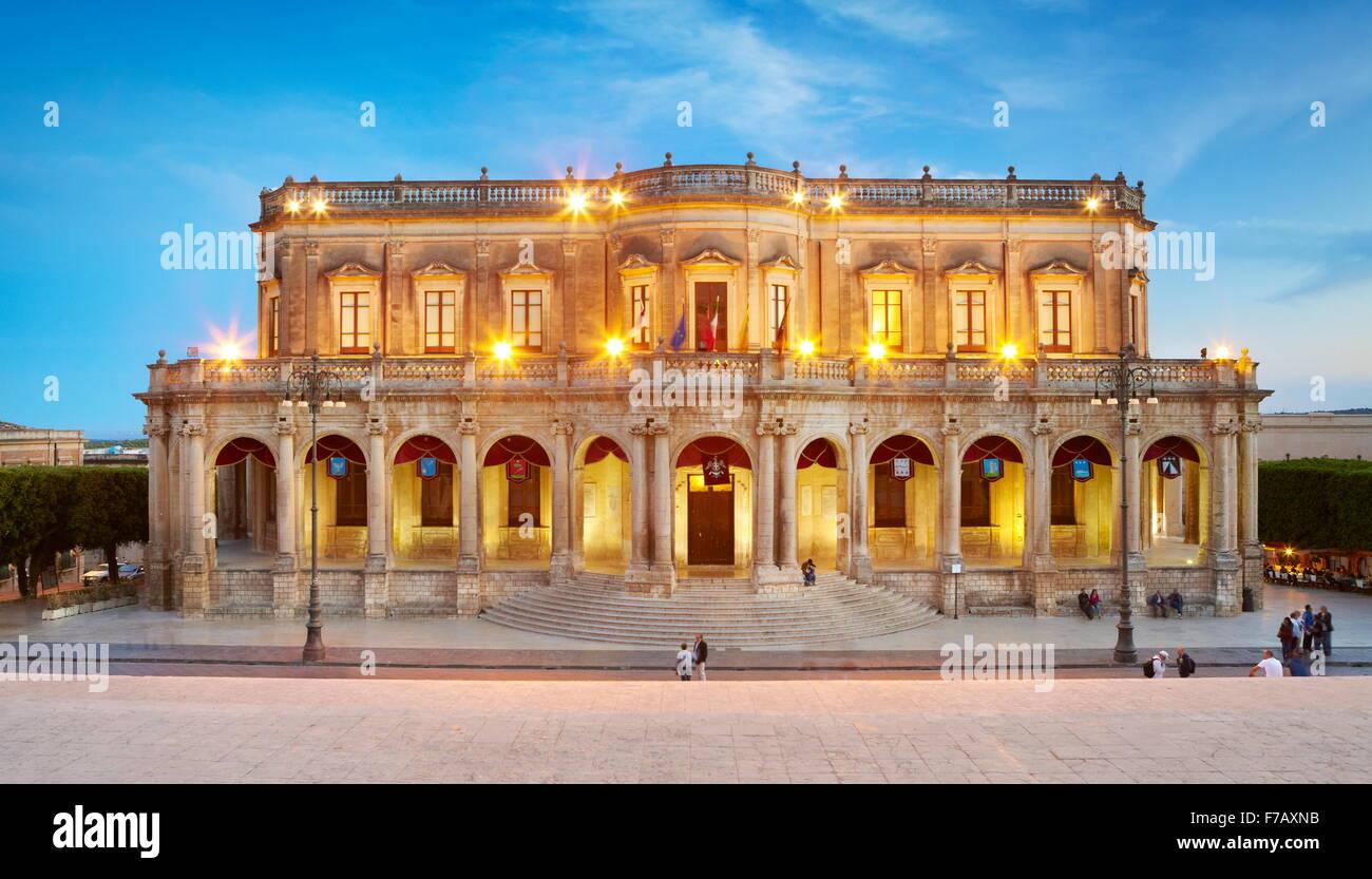 Ducezio palace (Palazzo Ducezio) Noto, Sicile, Italie l'UNESCO Photo Stock