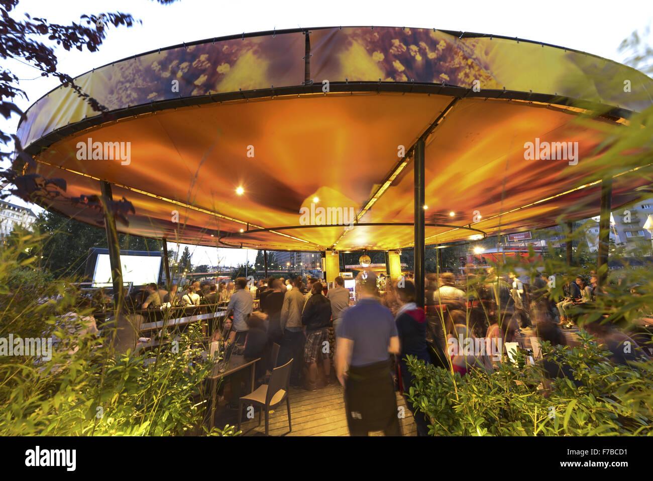 Le canal du Danube, Vienne, bar de plage, Hermann Public Viewing, Autriche Photo Stock