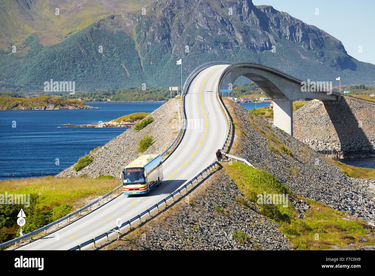 La route de l'Atlantique More og Romsdal (Norvège) Photo Stock