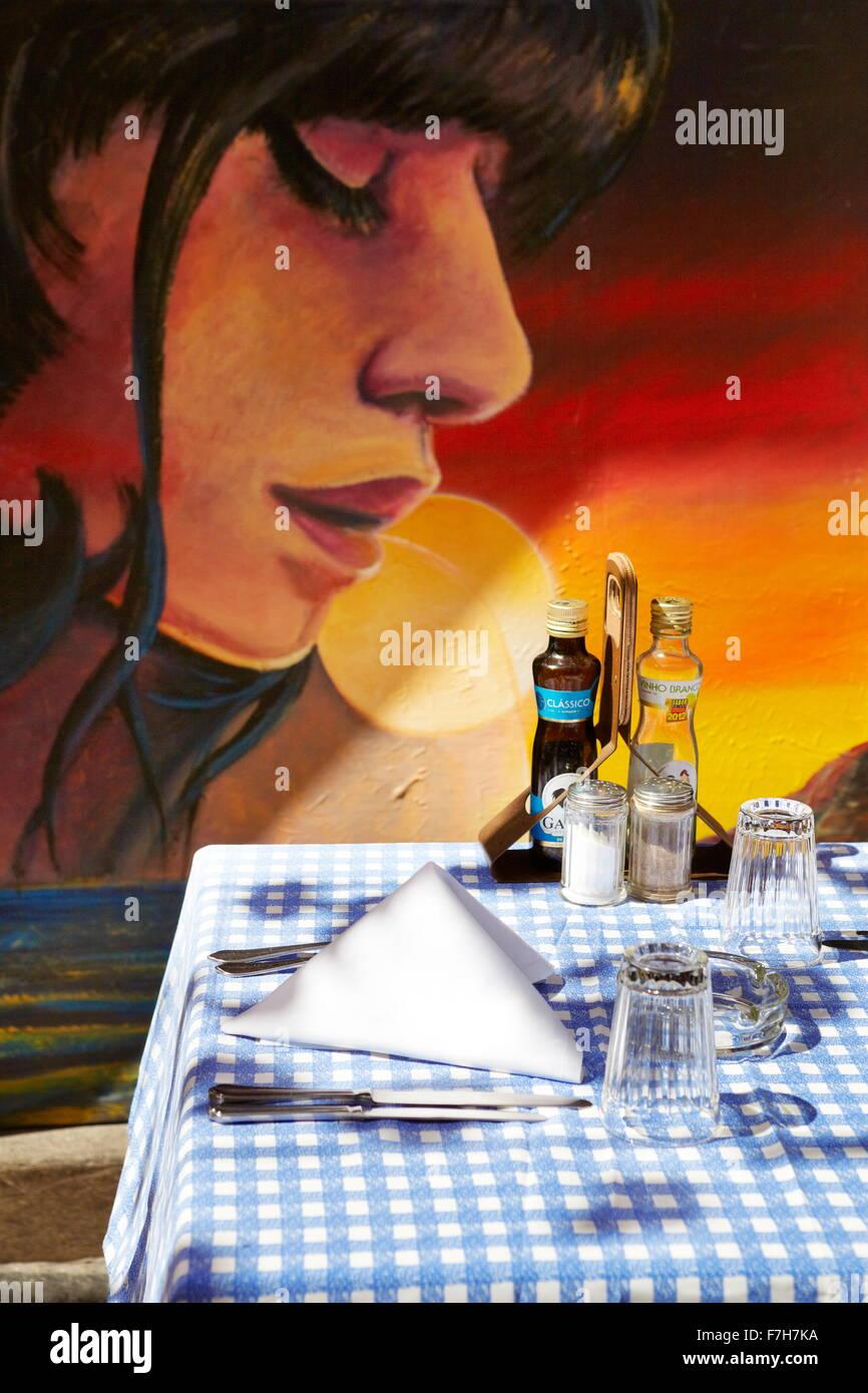 La vieille ville de Funchal (Zona Velha), mur peint par l'artiste locale, l'île de Madère, Portugal Photo Stock