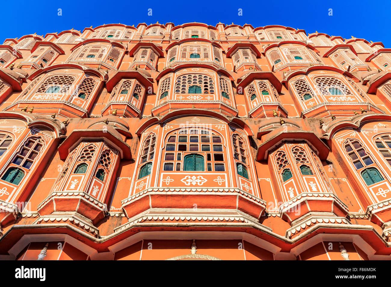 Façade de l'Hawa Mahal, le palais des vents, Jaipur, Rajasthan, Inde Photo Stock