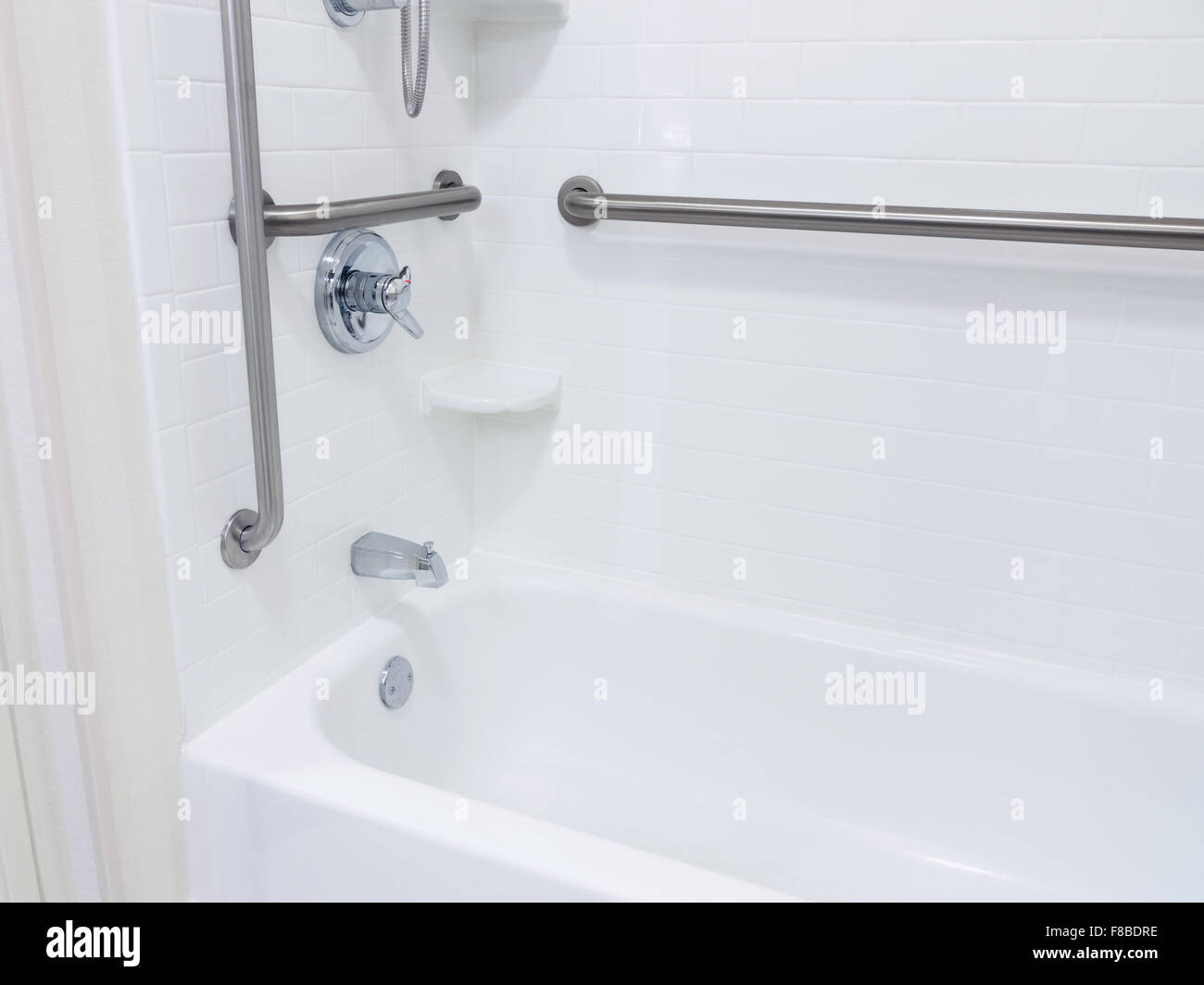 Salle De Bain Accessible Handicape ~ handicap bathroom photos handicap bathroom images alamy