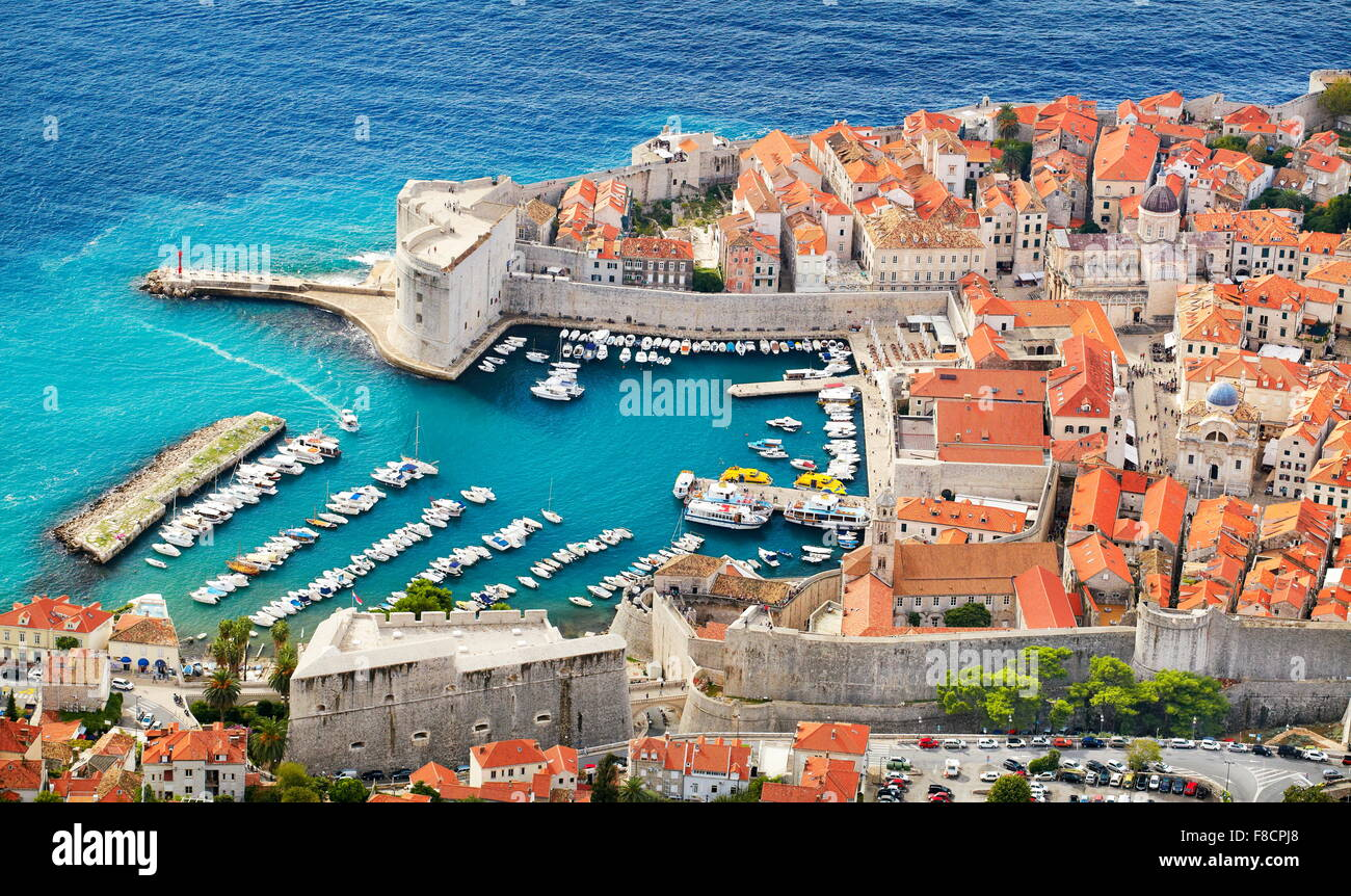 La vieille ville de Dubrovnik, augmentation de la vue de port, Croatie Photo Stock
