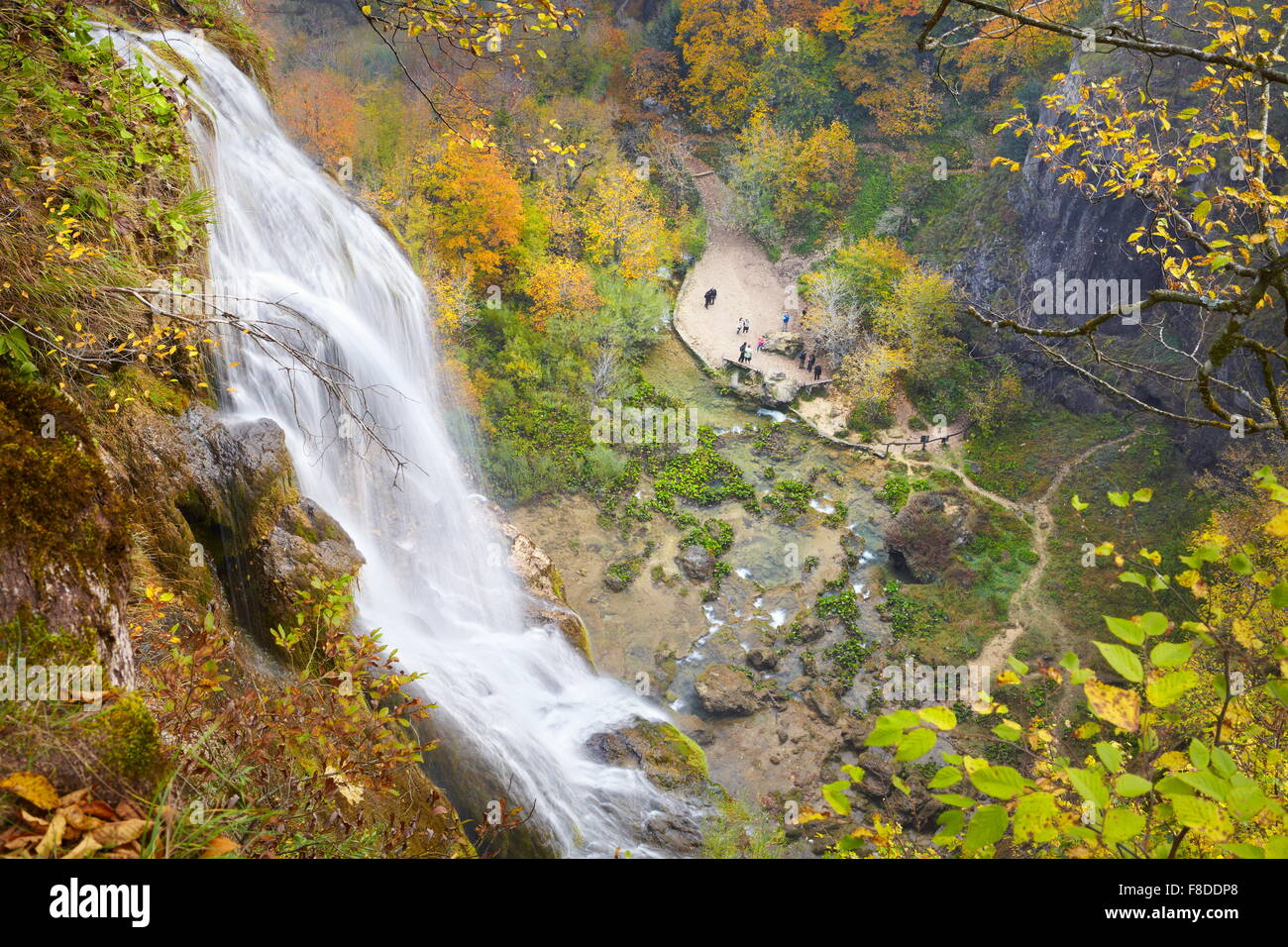 Cascade dans le parc national des Lacs de Plitvice, Croatie, l'UNESCO Photo Stock