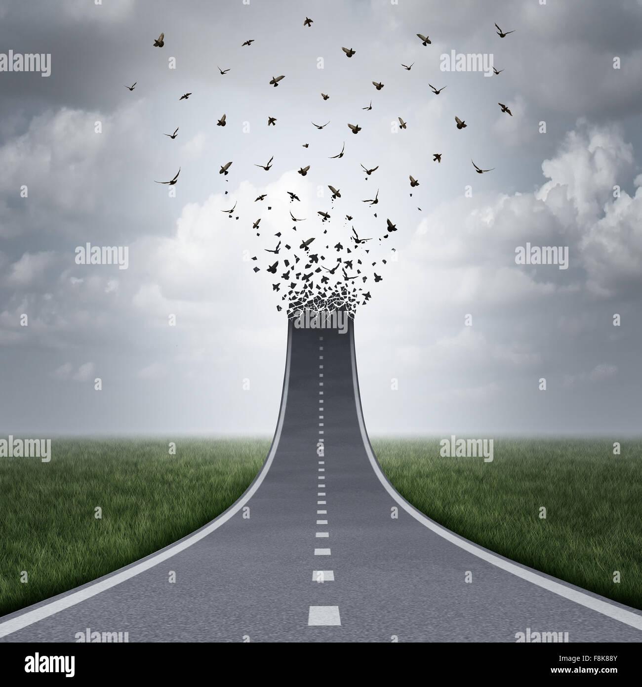 La liberté de la conduite en tant que concept route, de monter et de se transformer en vol des oiseaux comme Photo Stock