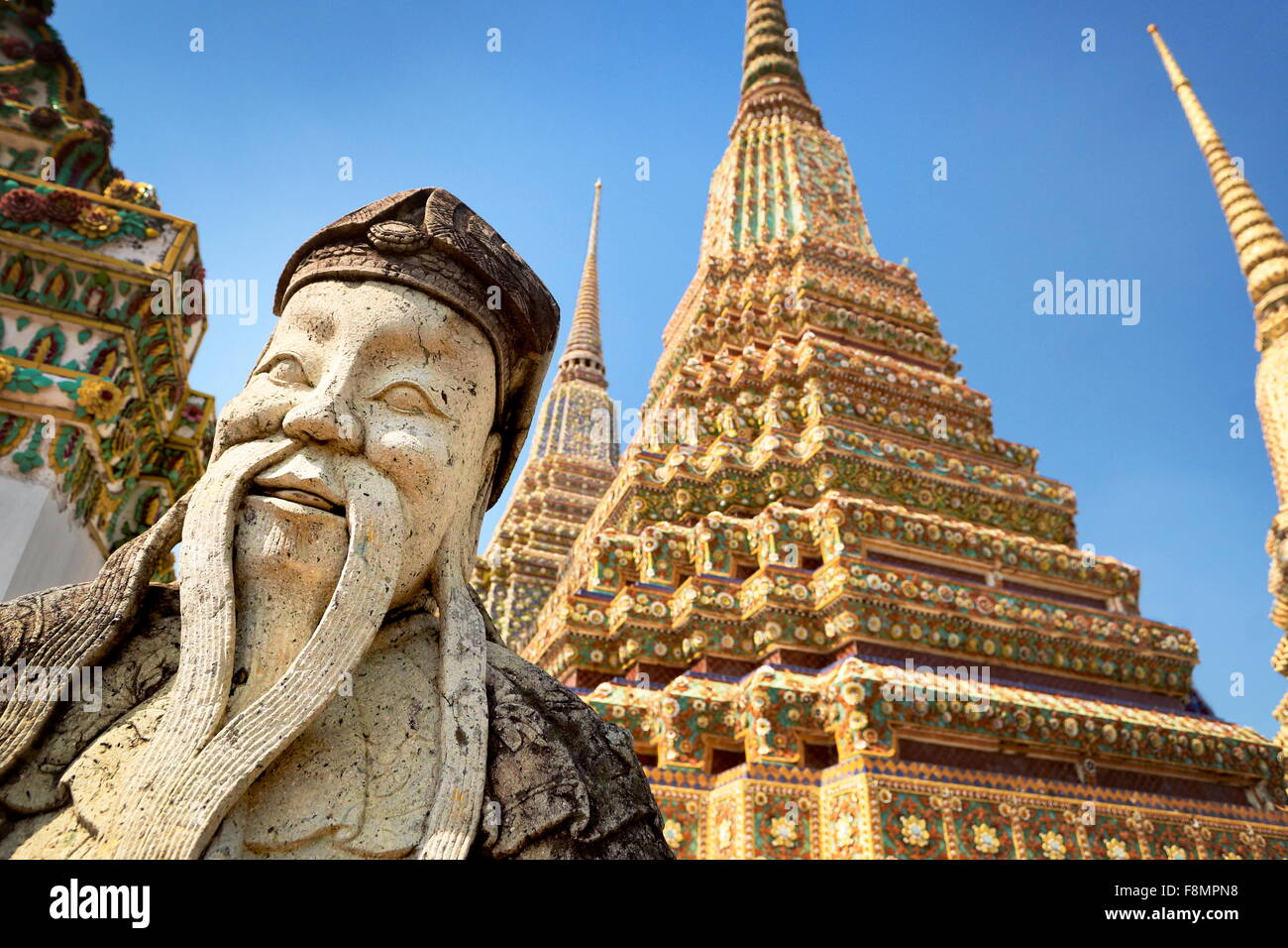 Thaïlande - Bangkok, Wat Phra Kaeo, Temple Grand Palais, statue de pierre Photo Stock