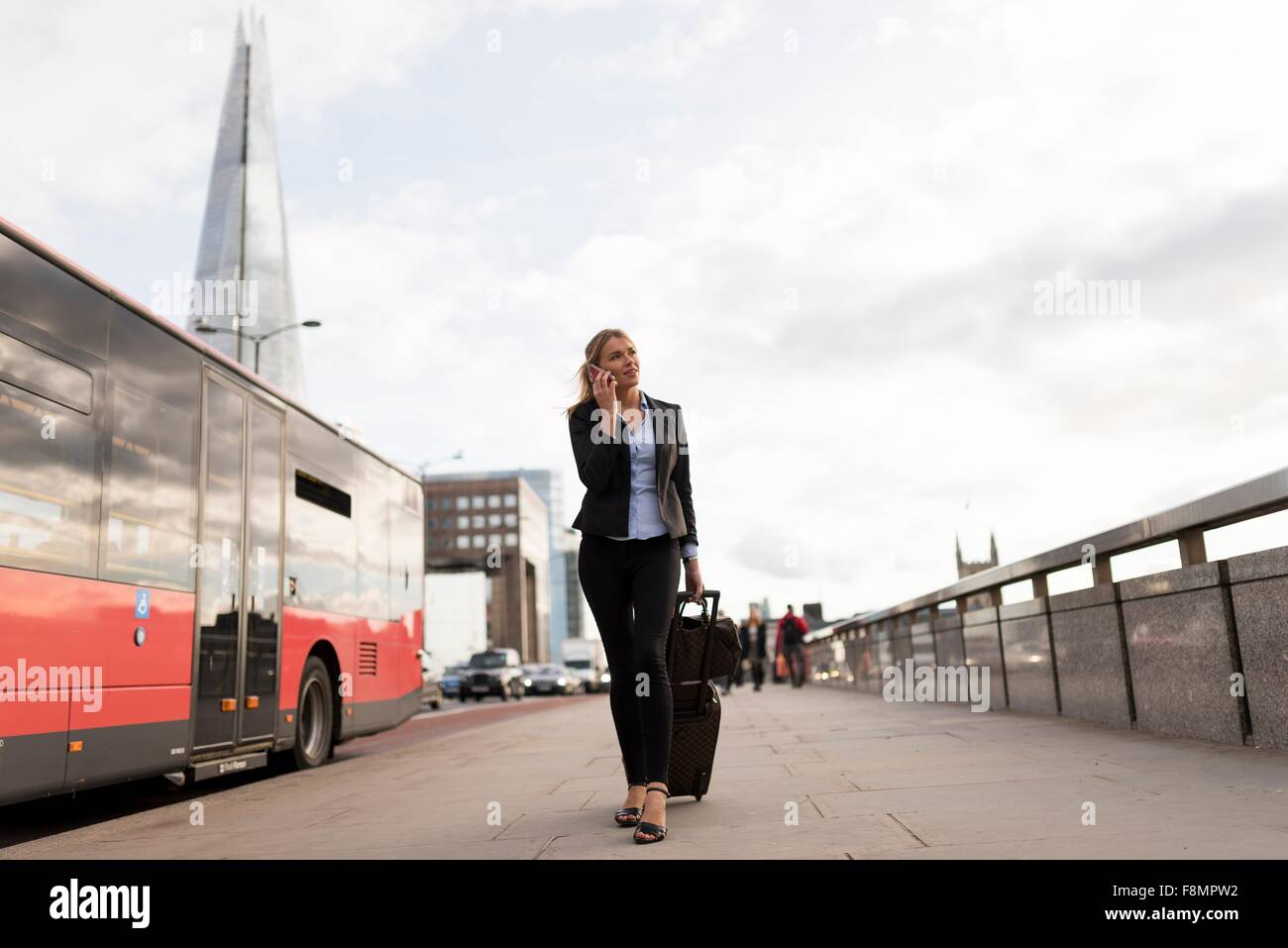 Businesswoman en voyage d'affaires, Londres, UK Photo Stock