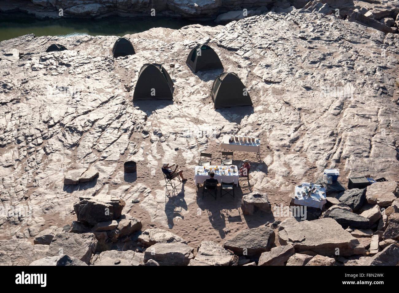 Camping en basse Fish River Canyon - Région Karas, Namibie, Afrique Photo Stock