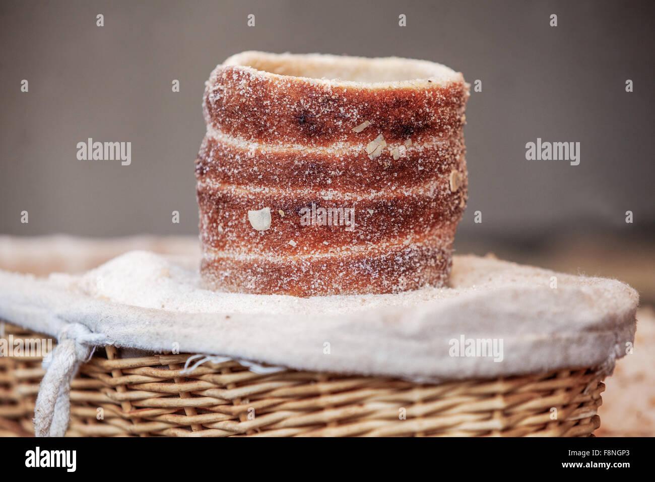 Trdelnik, un doux traditionnelle pâtisserie tchèque, Prague, République Tchèque, Europe Photo Stock