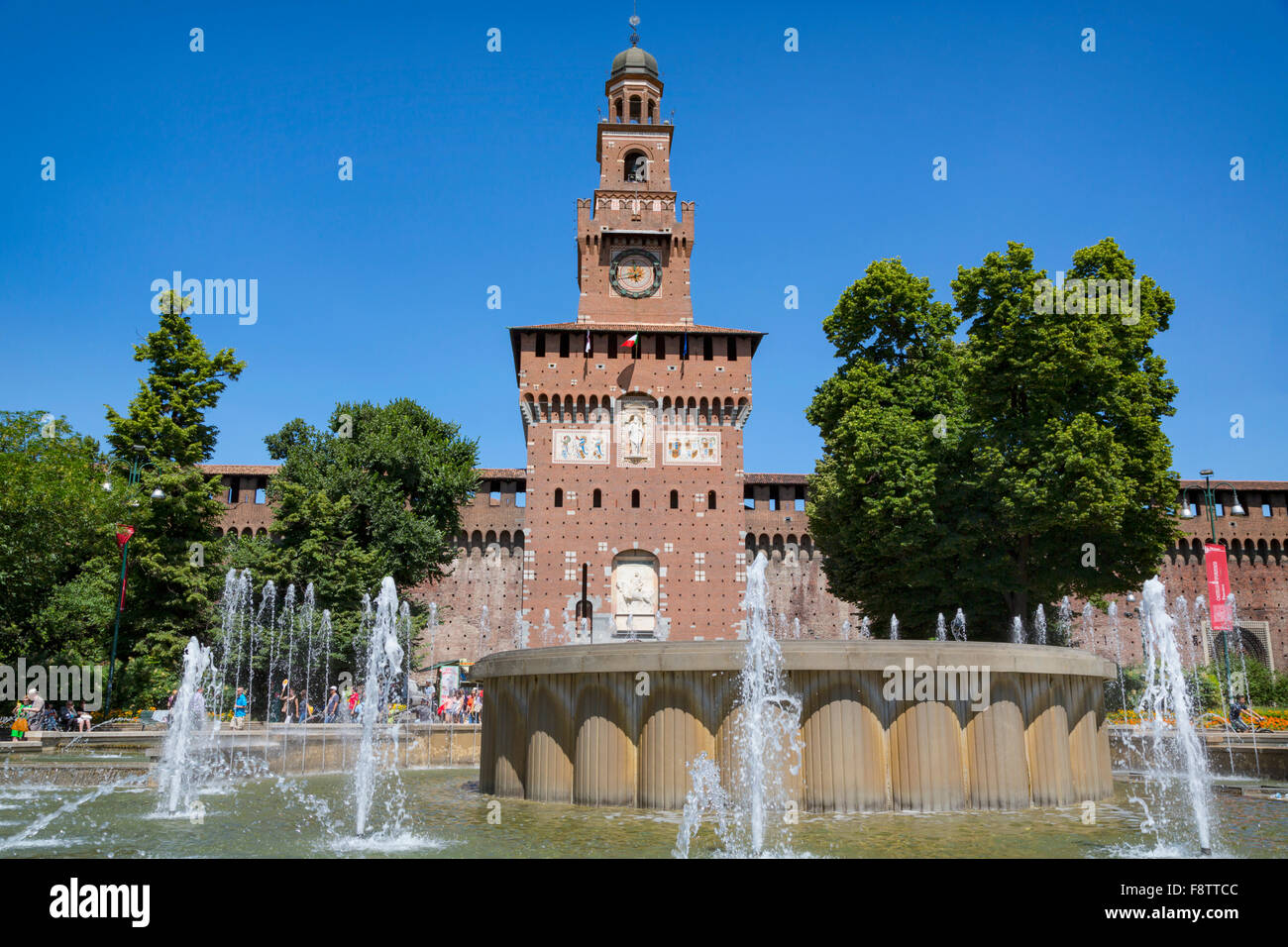 La Province de Milan, Milan, Lombardie, Italie. Château Sforzesco. Castello Sforzesco. L'entrée au Photo Stock