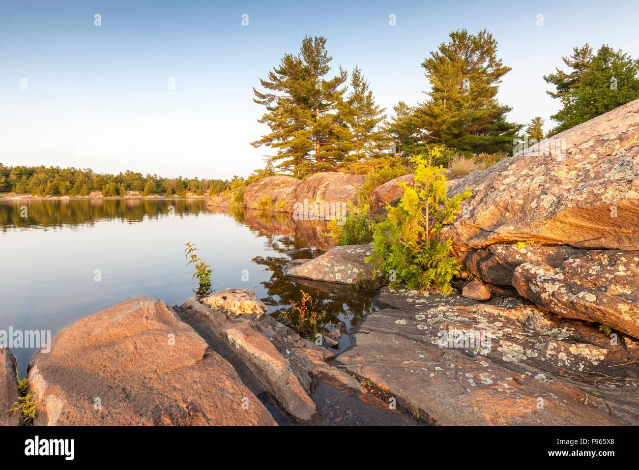 L'île d'obstacle à l'embouchure de la rivière des Français dans la baie Georgienne, Photo Stock