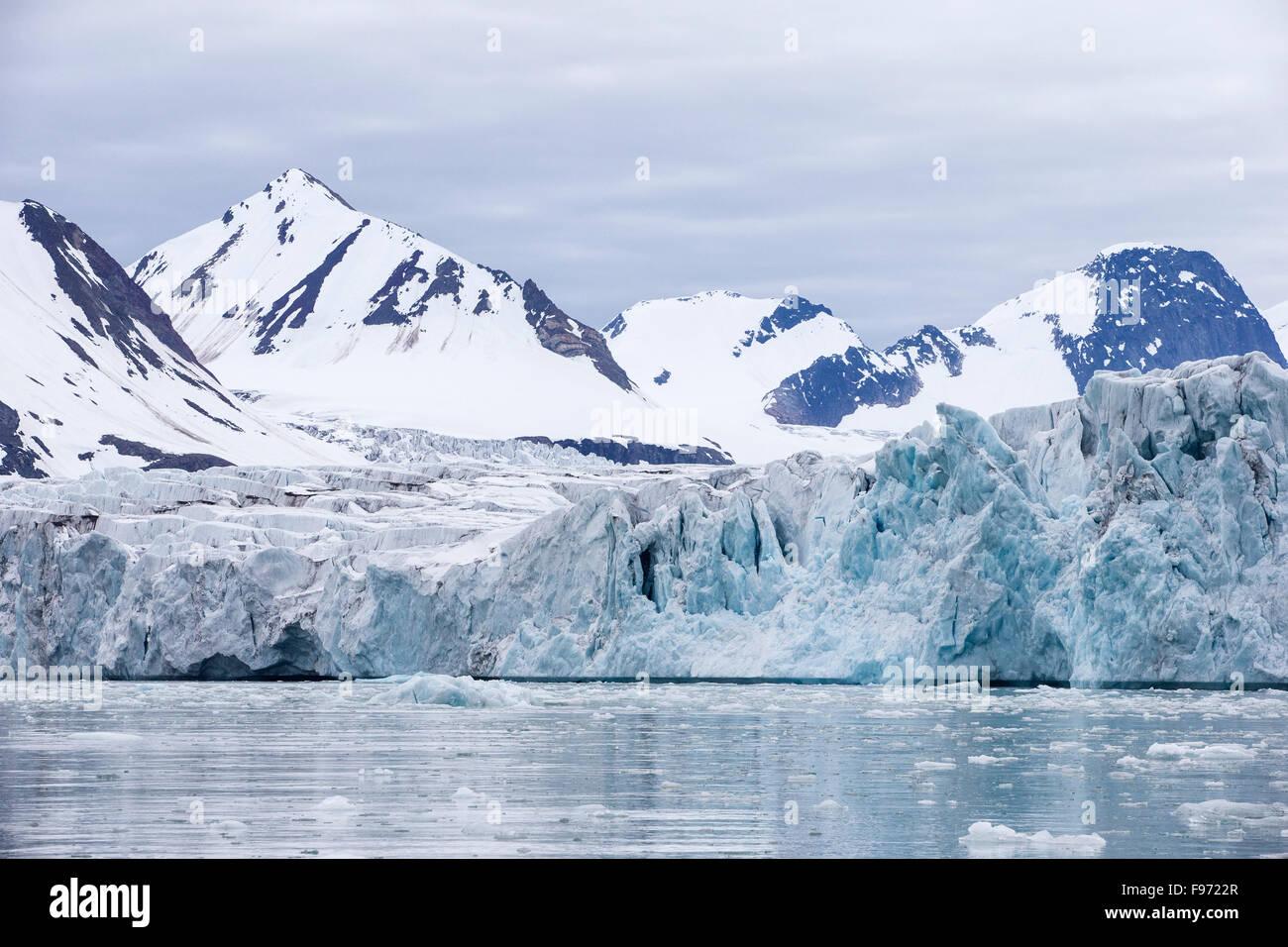 Samarinbreen Glacier, Fjord Hornsund, archipel du Svalbard, Norvège Photo Stock